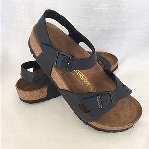 BIRKENSTOCK black sandals Sz 8.5 / 39